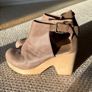 Free People Amber Orchard Clogs in Taupe